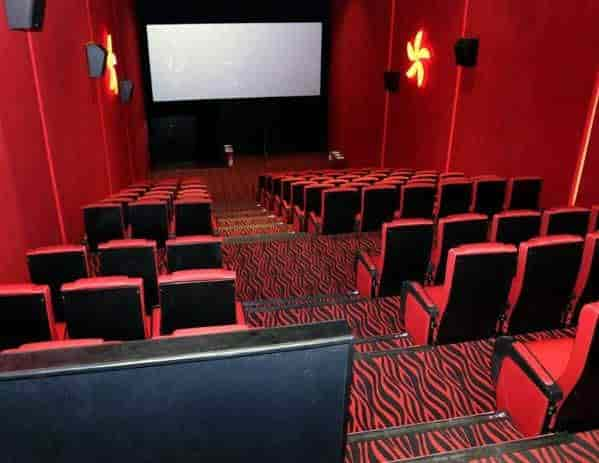 sports shoes eba18 8b04a Carnival Cinemas