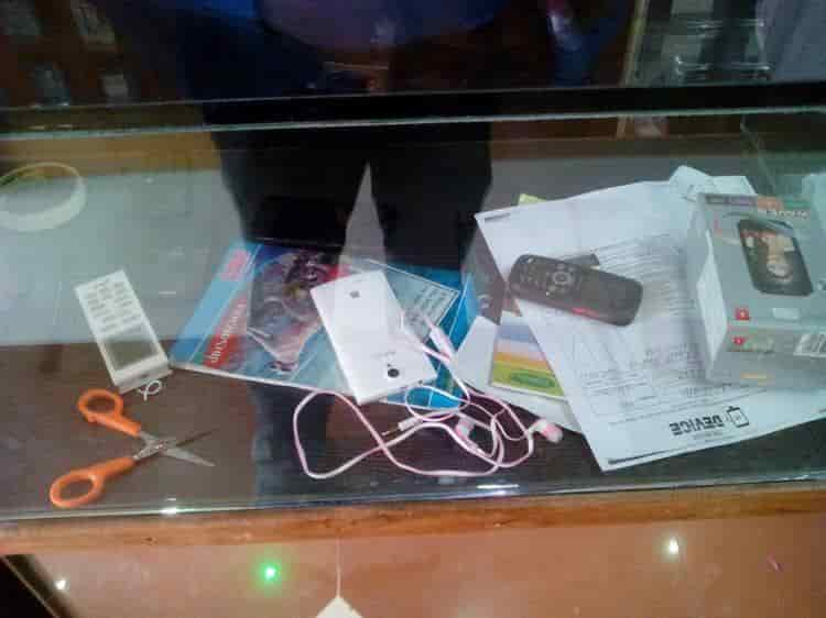 A to Z Mobile Point Photos, Boisar, Mumbai- Pictures & Images ...