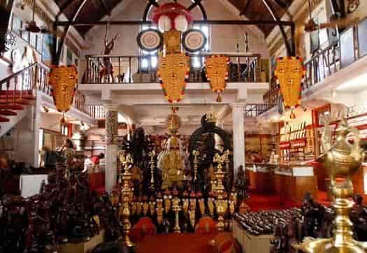 Handicrafts Development Corporation Of Kerala Ltd Statue Jn